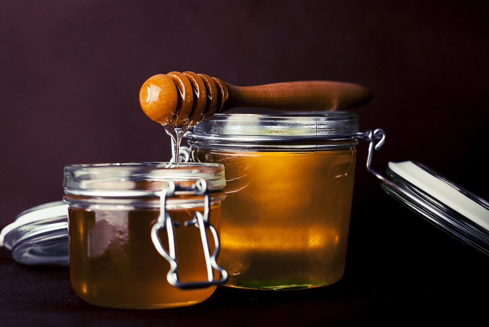 Is honing een gezond alternatief voor geraffineerde witte suiker