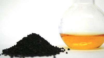 Zwarte komijn olie