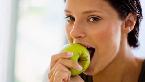 Appels zijn gezond maar helpen ze ons ook verantwoord afvallen?