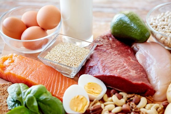 Dagelijks hoeveel eiwitten eten voor een snel en lang voldaan gevoel?